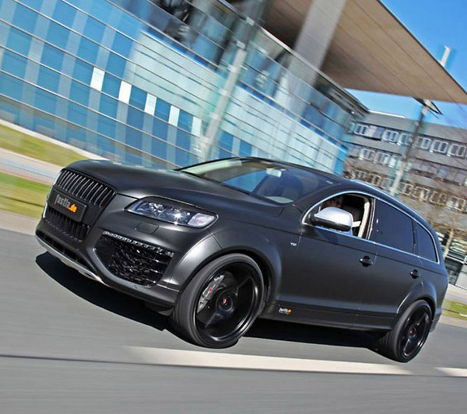 Tunned Audi Q7